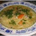 Nudelsuppe nach Art des Hauses