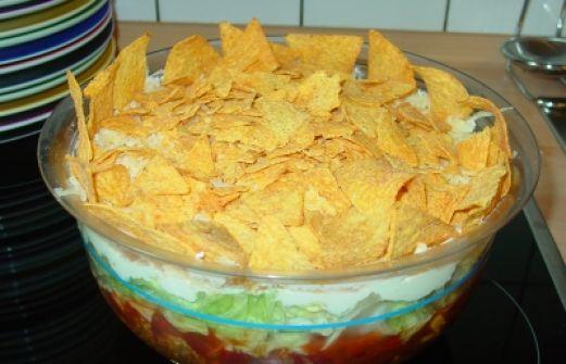 rezept nacho salat mexikanischer schichtsalat vegetarisch. Black Bedroom Furniture Sets. Home Design Ideas